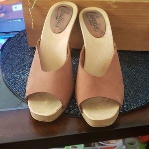 Candies/ vintage peep toe heel